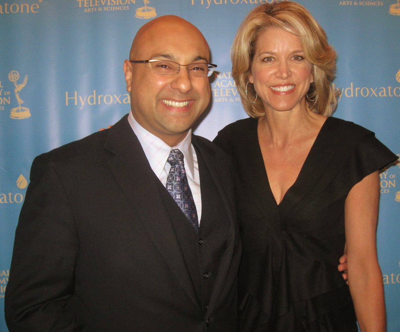 Top anchors ali velshi amp paula zahn grace the red carpet at the emmys