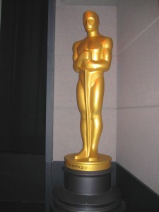 Larger than life Oscar statue awaited Oscar winning Danny Boyle's entrance!