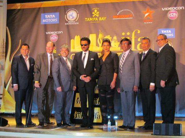 The entire iifa 2014 Dream Team poses for the media