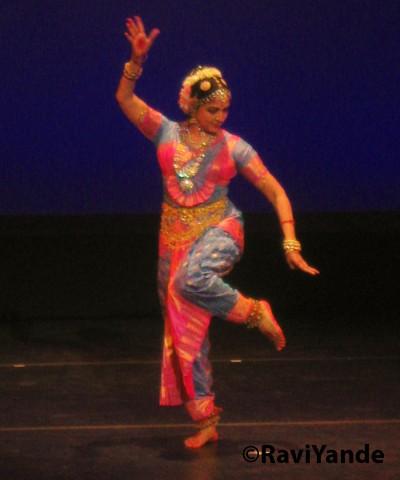 Dreamgirl bollywood she dances 2